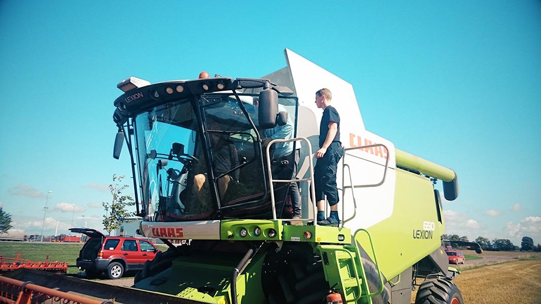 lrf-combine-harvester-sweden