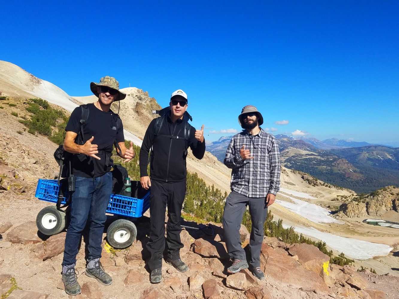 mammoth lakes mountain california thumbs up